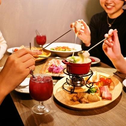 ムービージェニックなチーズ料理で昼も夜もホットに♪ ホワイトデーにも! ~CheeseTable新宿店2/8オープン