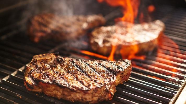 いきなり!ステーキがギネス世界記録®に挑戦! 期間限定コラボスナックも全国発売中 ~いきなり!ステーキ/ジャパンフリトレー