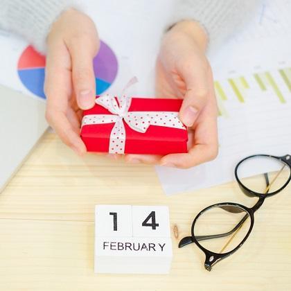 職場でのバレンタイン禁止令 vs. 義理チョコは高感度UP!? ~日本法規情報・ロッテ調べ